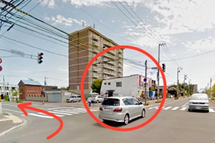 石川自転車店の手前で左折します